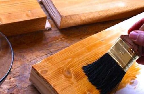 лестничные ступеньки из сосны