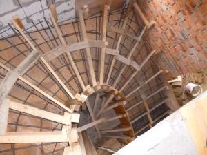 Конструкция деревянной винтовой лестницы